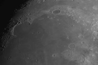 Moon_205737_Plato_Alpes_Valles_Sinus_Iridum.jpg